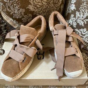 Ugg Australia Women's Brianna Brown Suede Shoes